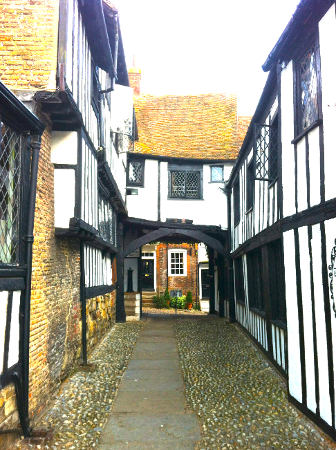 Cobbled path leading to the stables (or car park) at the Mermaid Inn