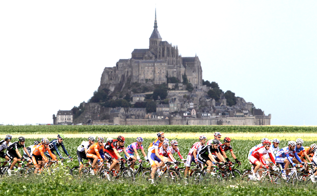 Tour de France in front of Mont Saint Michel, Normandy